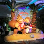 An area where you can take your picture in a Donkey Kong diorama.
