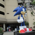 A statue of Sonic outside the Sega arcade.